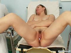 Mature Jaroslava goes in for a gyno speculum exam