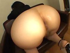 CHICK BIG JUICY ASS FACE SITS ON GUY