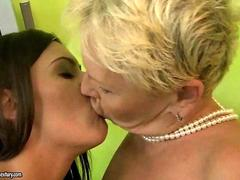 Granny and young beauty enjoying lesbian sex feature