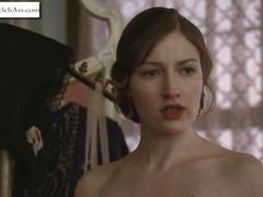 Kelly MacDonald striping in Boardwalk Empire s01e06