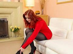 Redhead in nylons undress in red shoes video