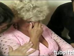 No one loves to fuck more than Italian MILFs