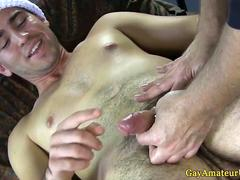 Gaystraight amateur cums after handjob