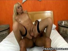 Blonde Shemale Slut Shakira Maya Is Getting Fucked