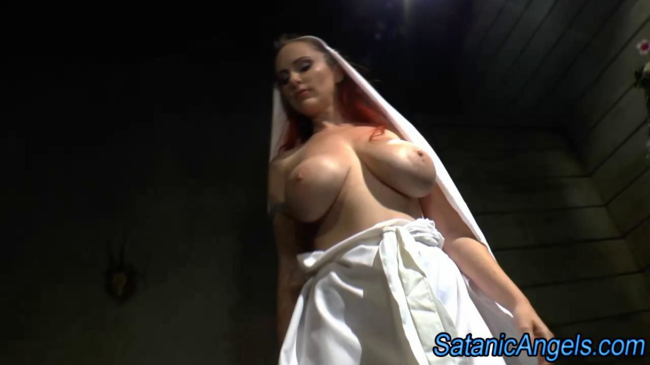 image Fakehospital naughty nurse gets her pussy licked by blonde