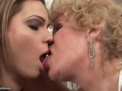 Chubby young girl loves busty granny