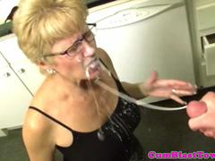 Milf mature in spex facialized after handjob