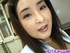 Yui Tokui fucks with vibrator at office