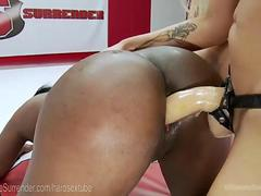 Blonde Bombshell Tackles Curvy Rookie