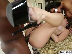 Nikki Delano gets shaved pussy licked