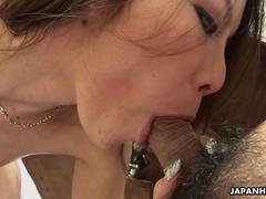 Awesome Asian bitch getting soked as she gets fucked