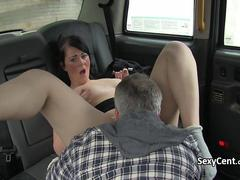 Taxi driver fucking chubby brunette
