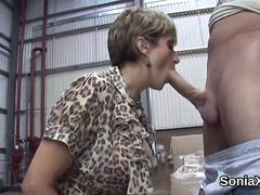 Mature babe with big jugs gives an awesome blowjob