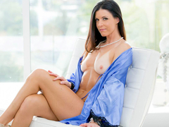 Seductive MILF India Summers gets reamed