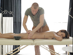 Tiny titted Sophia Young loves massage