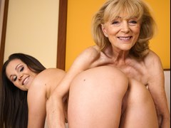 Szuzanne Licks Out an Experienced Woman